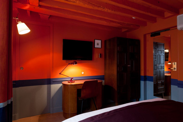 Destin-Crayon-Hotel-Paris-19-orange