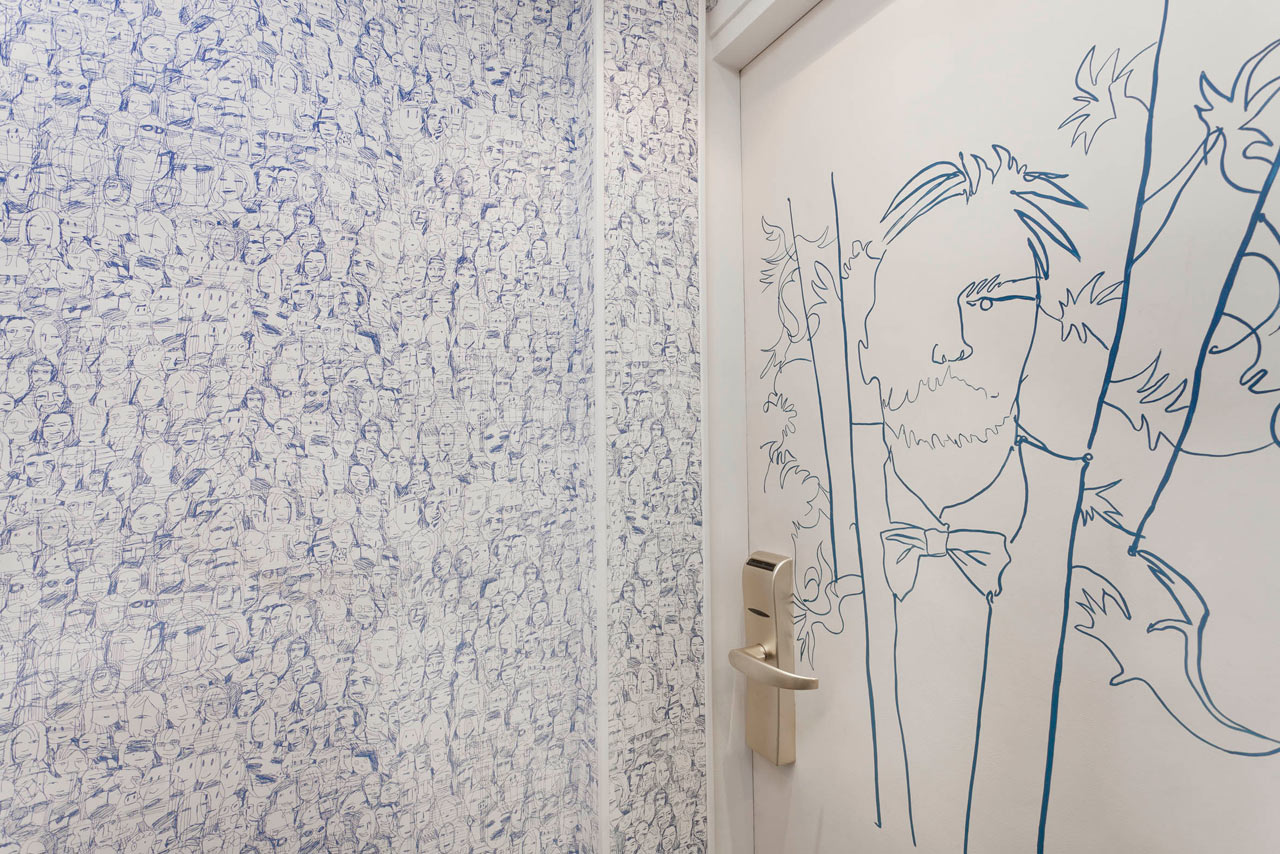 Destin-Crayon-Hotel-Paris-7-hallway