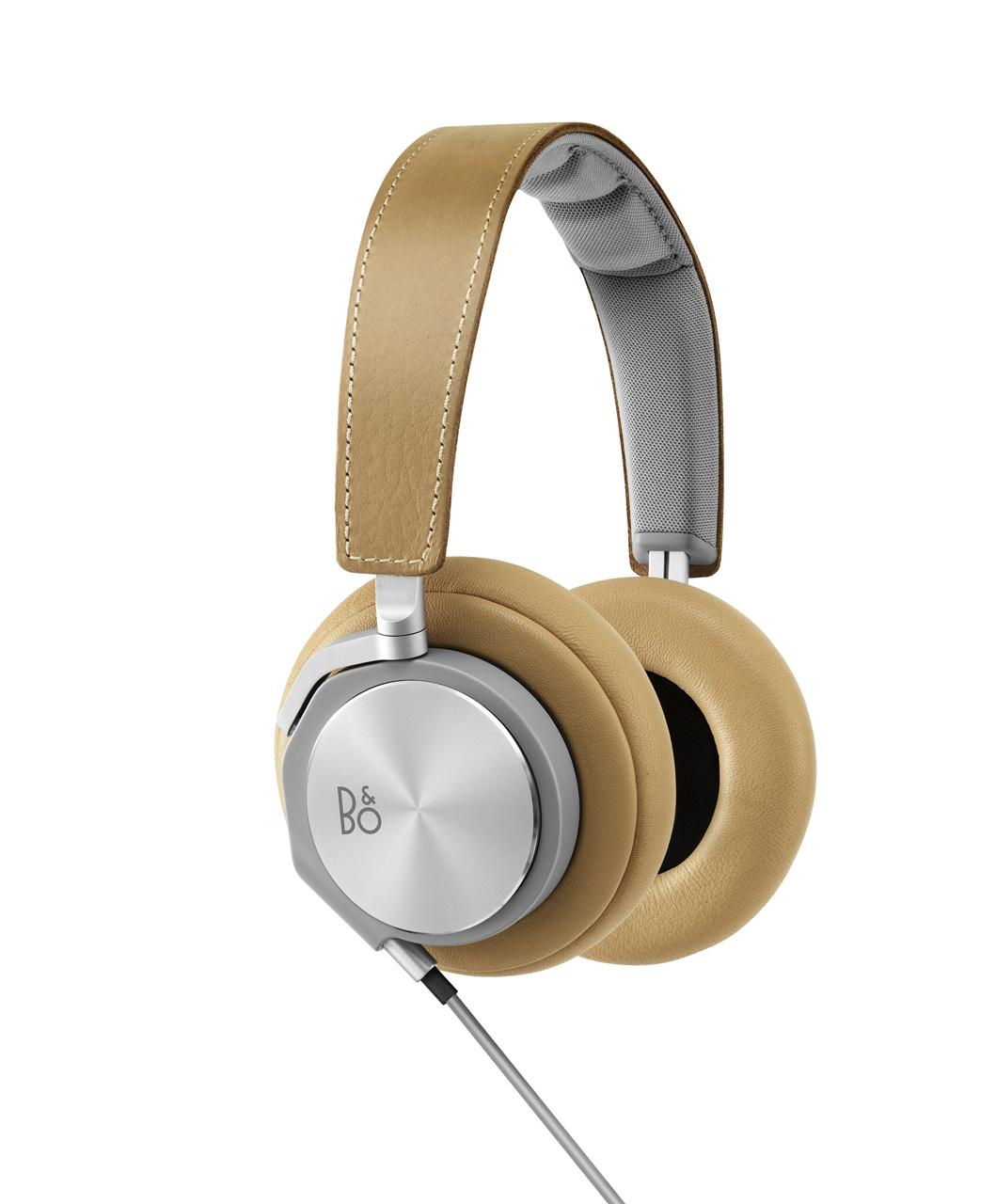 F5-Johannes-Torpe-3-H6-Headphones