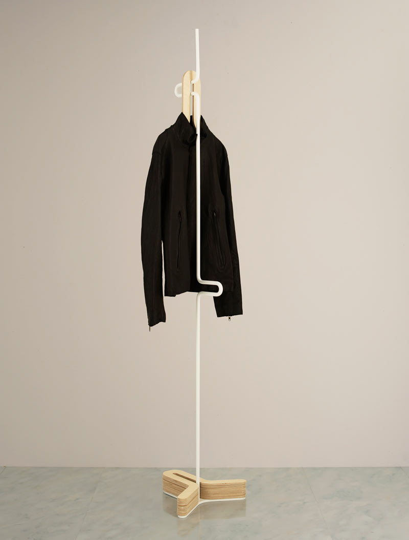 HC Hanger: A Simple Clothes & Coat Rack