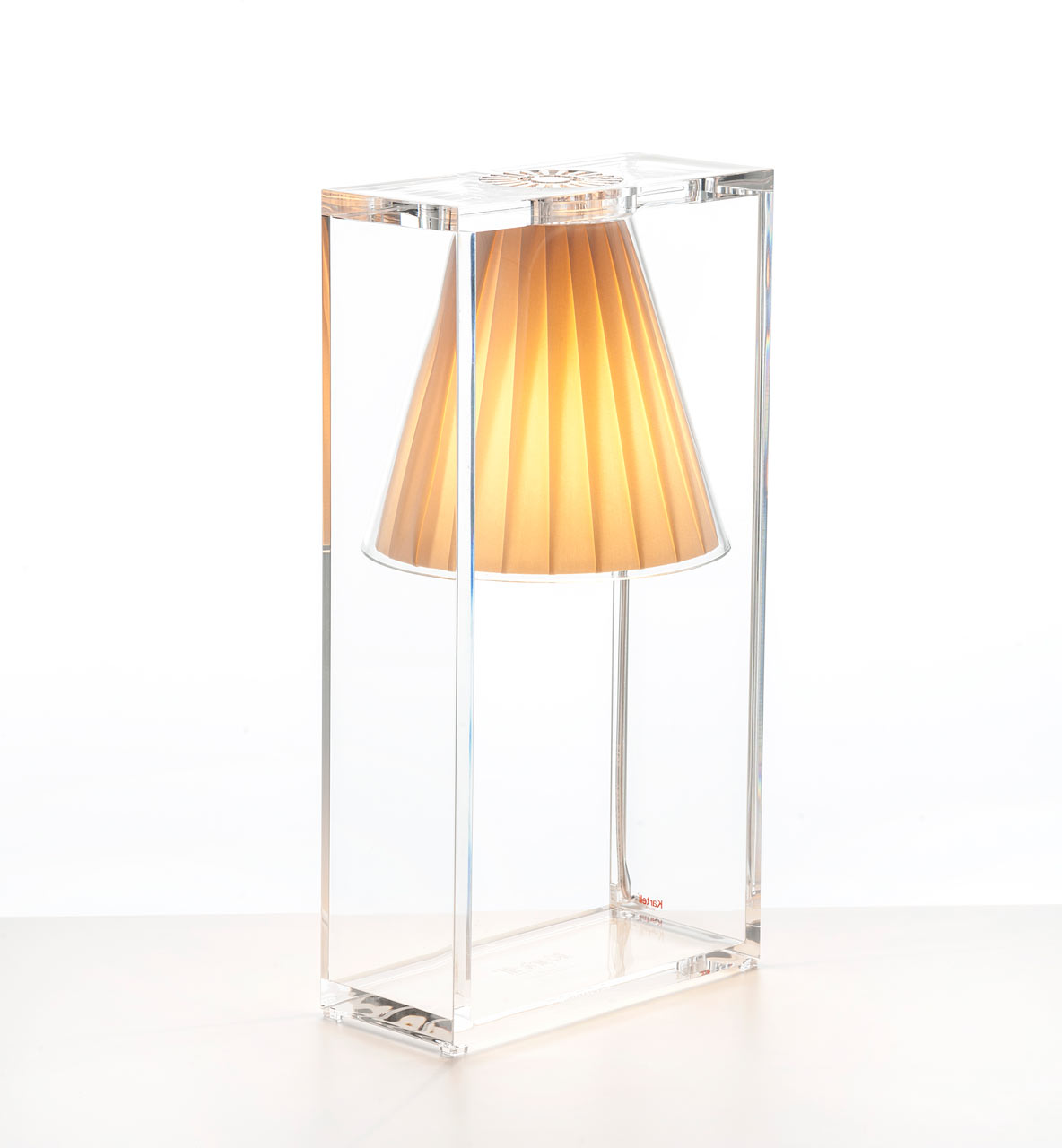 Kartell-By-Eugeni-Quitllet-2-LIGHT-AIR