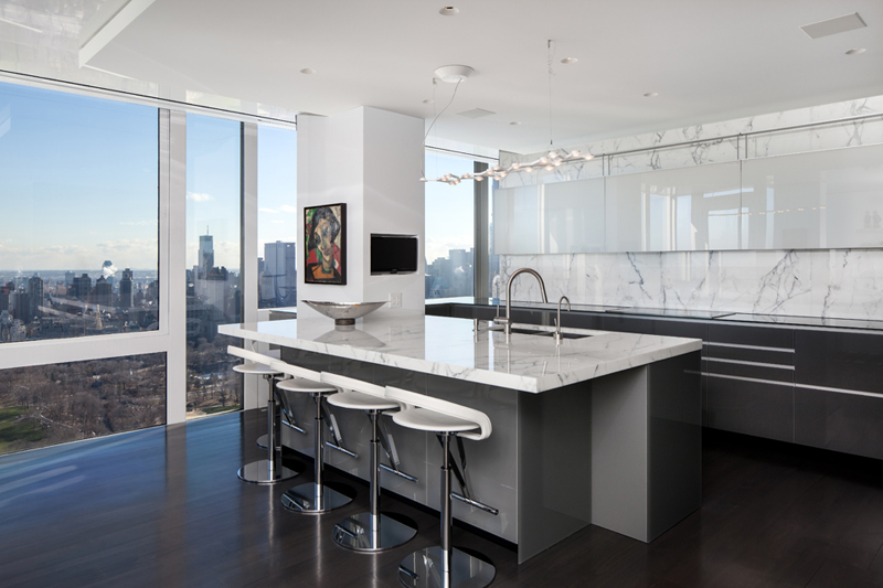 Midtown-Penthouse-TCA-7-kitchen
