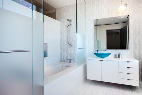 Midtown-Penthouse-TCA-8-bath