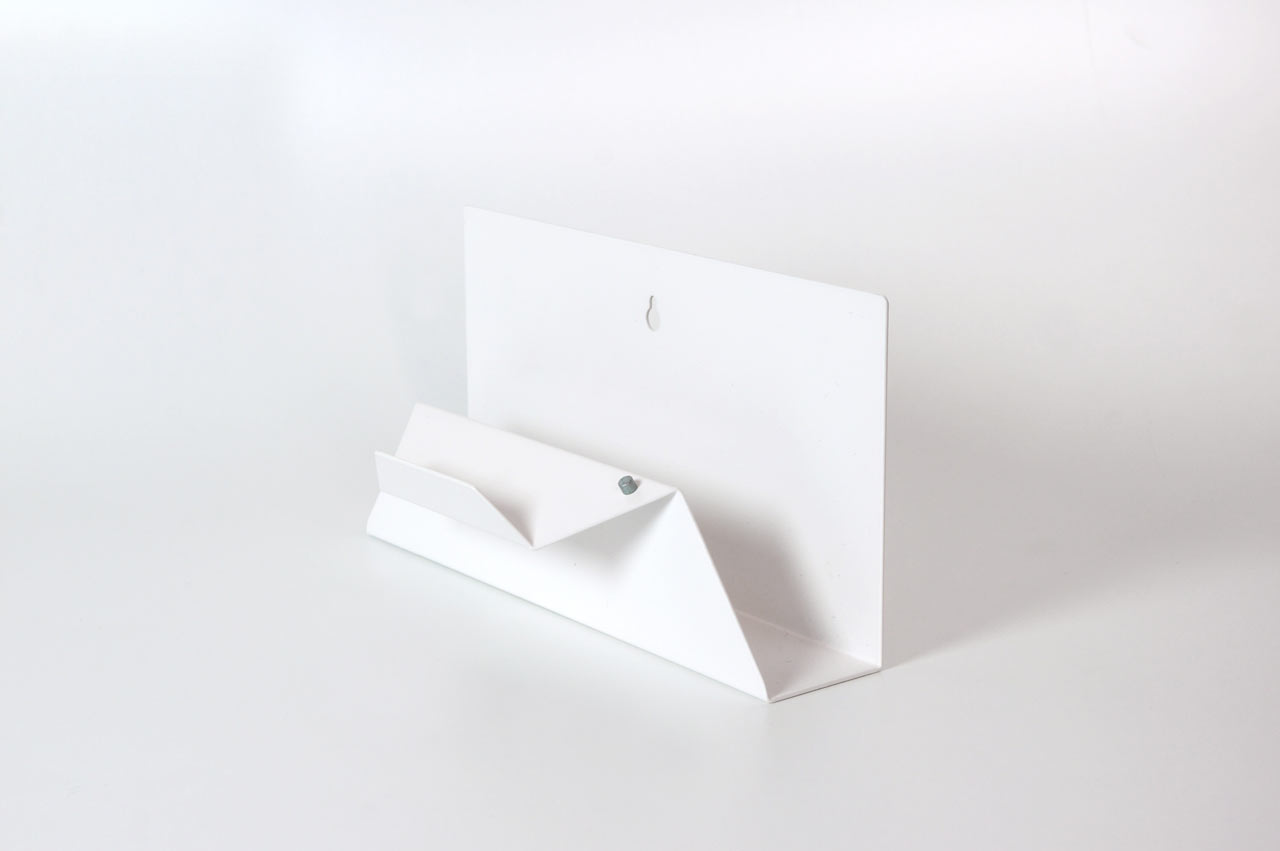 Post-Point-Letter-Holder-Sebastian-Bergne-4