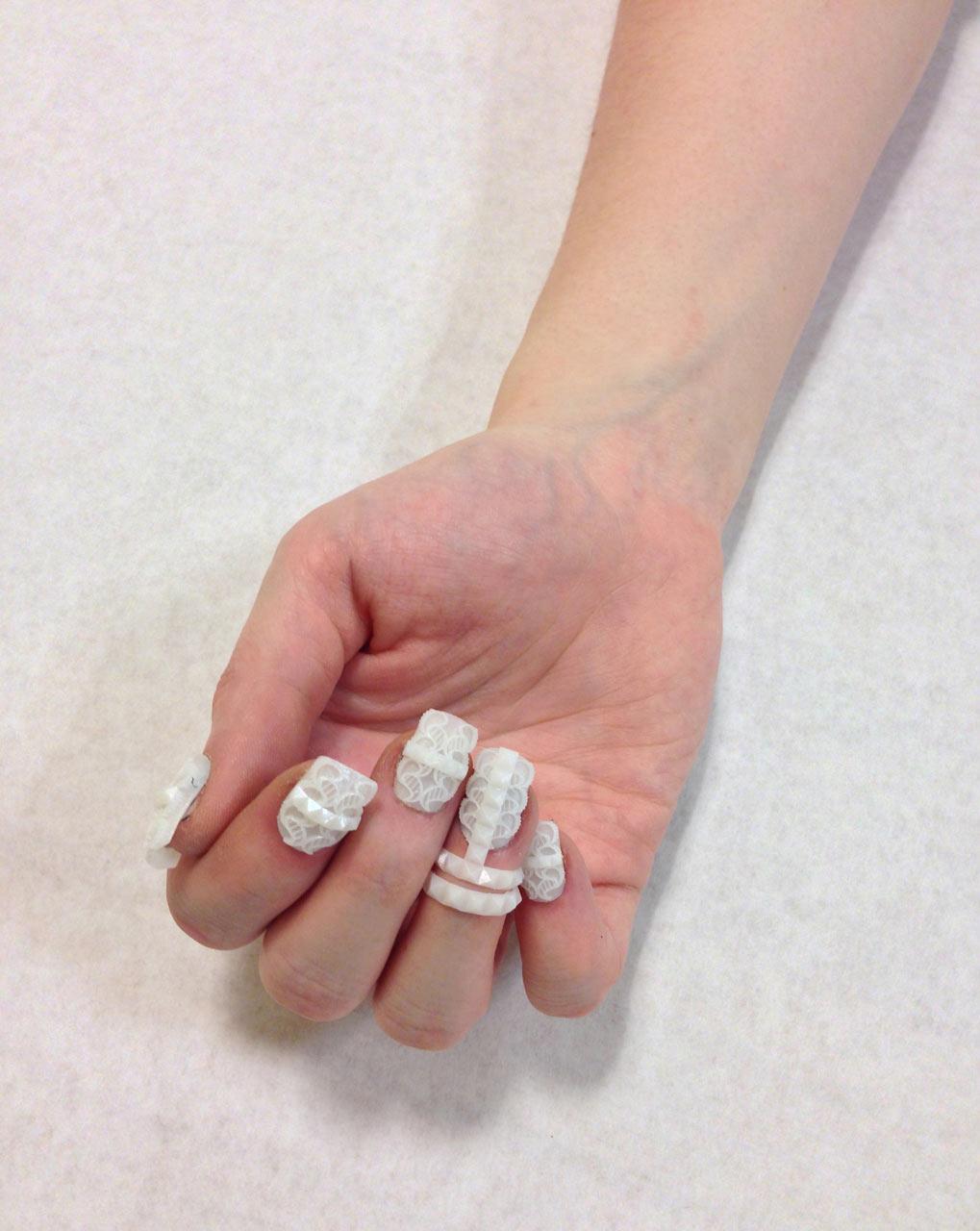 TheLaserGirls-3D-Printed-Nails-5-eatherlaceandleo