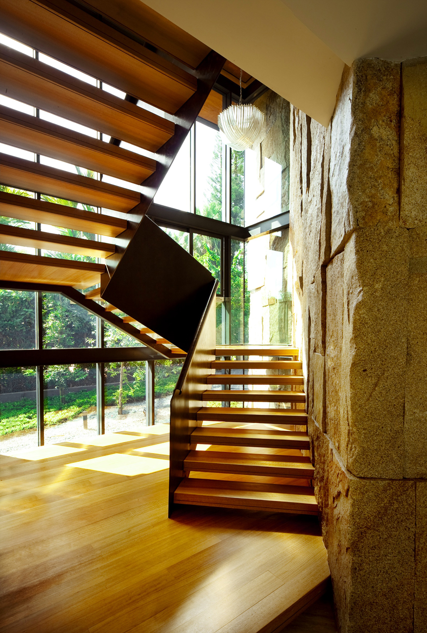 """backReturn to """"The Winged House by K2LD Architects"""""""