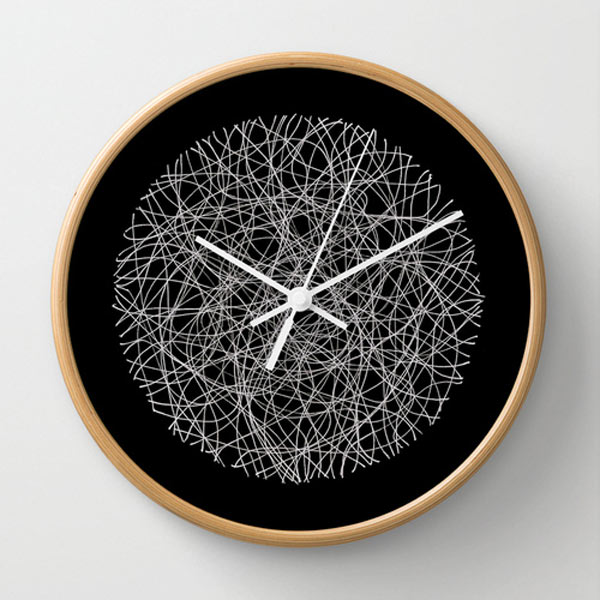 s6-black-white-lines-clock