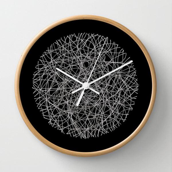 s6-black-white-lines-clock