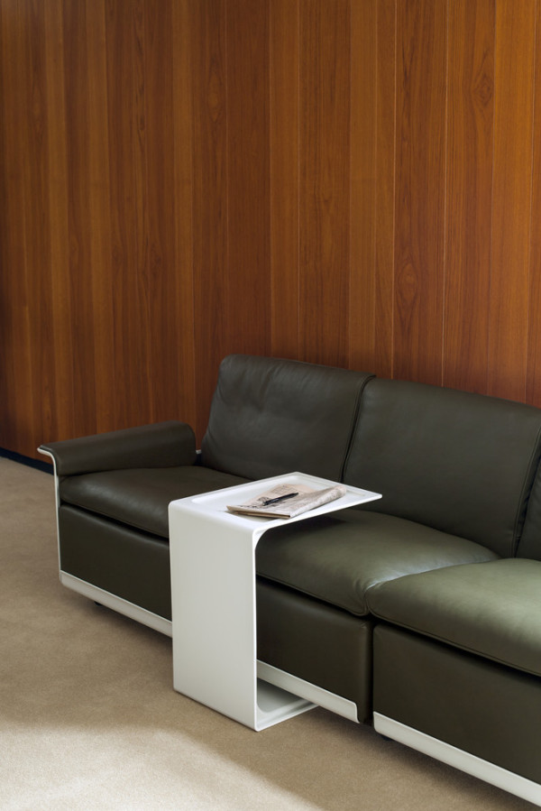 621 Side Table by Dieter Rams for Vitsoe (ID220) ©Vitsoe-scr