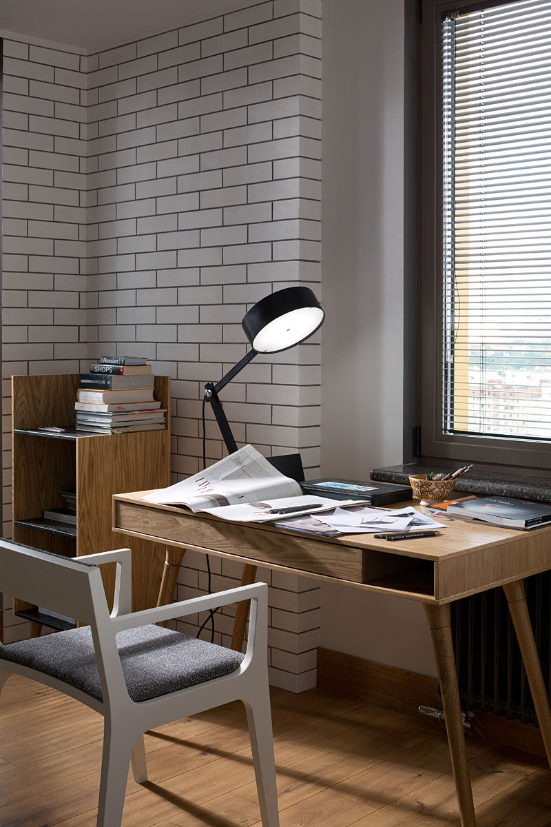 Apartment-with-the-Birds-Yudina-Olena-7-desk