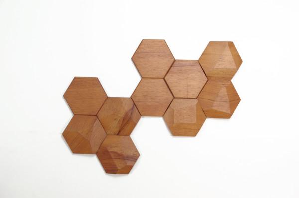 Bee Apis Wood Tiles Monoculo Design 2