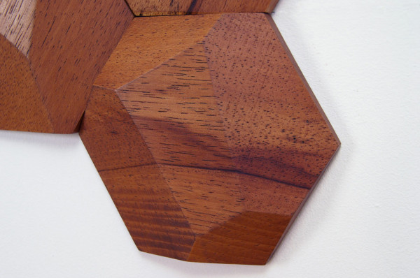 Bee-Apis-Wood-Tiles-Monoculo-Design-2a