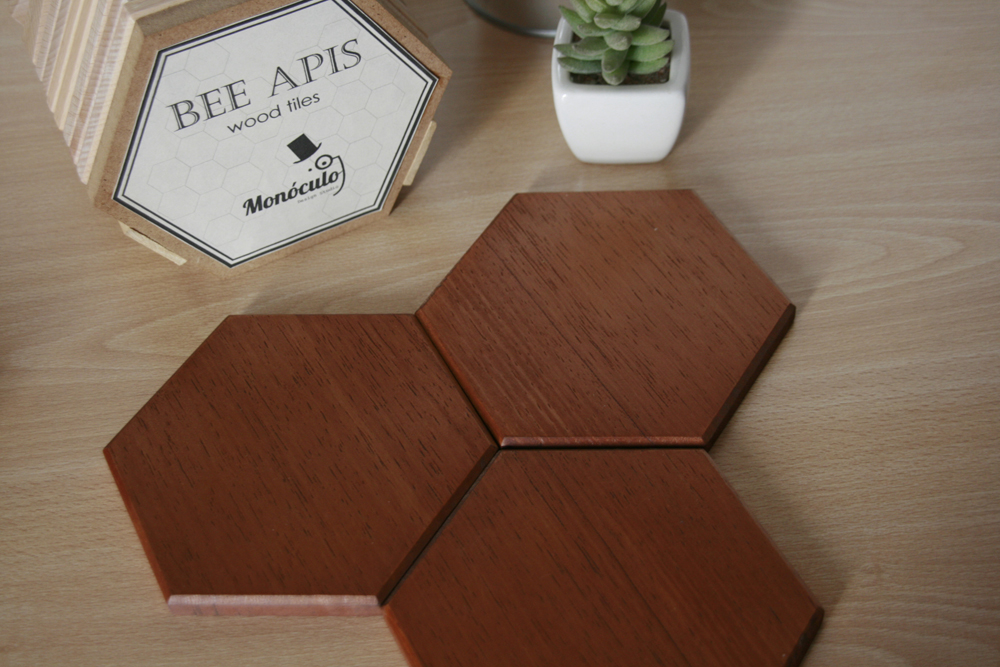 Bee-Apis-Wood-Tiles-Monoculo-Design-9-flat
