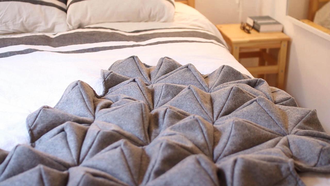Bloom-Origami-Blanket-Bianca-Cheng-Costanzo-5