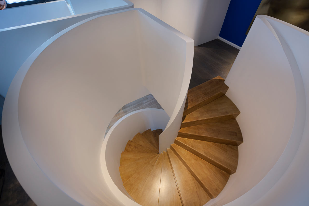 Blue-Penthouse-Dariel-Studio-15-stairs