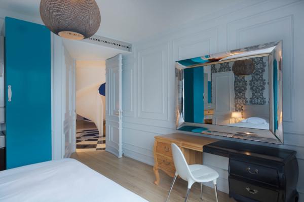 Blue-Penthouse-Dariel-Studio-9-bed