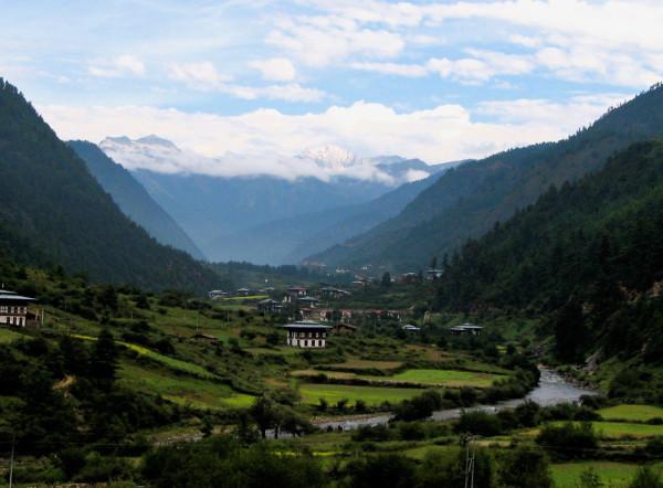 F5-Cynthia-Rowley-3-Bhutan