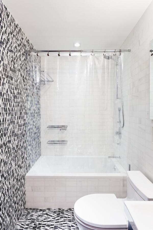 Inside-Light-Loft-NY-MODU-10-bath