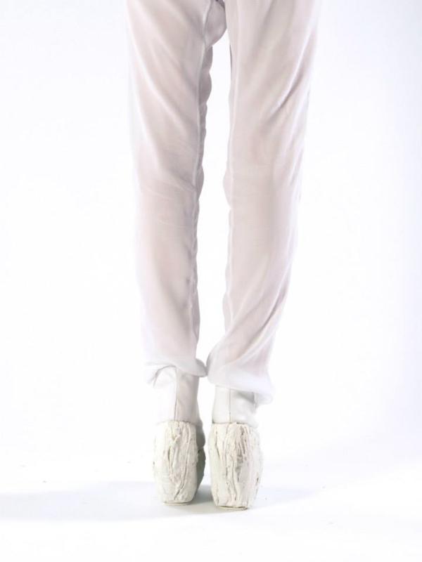 Laura-Papp-Porcelain-Shoe-1