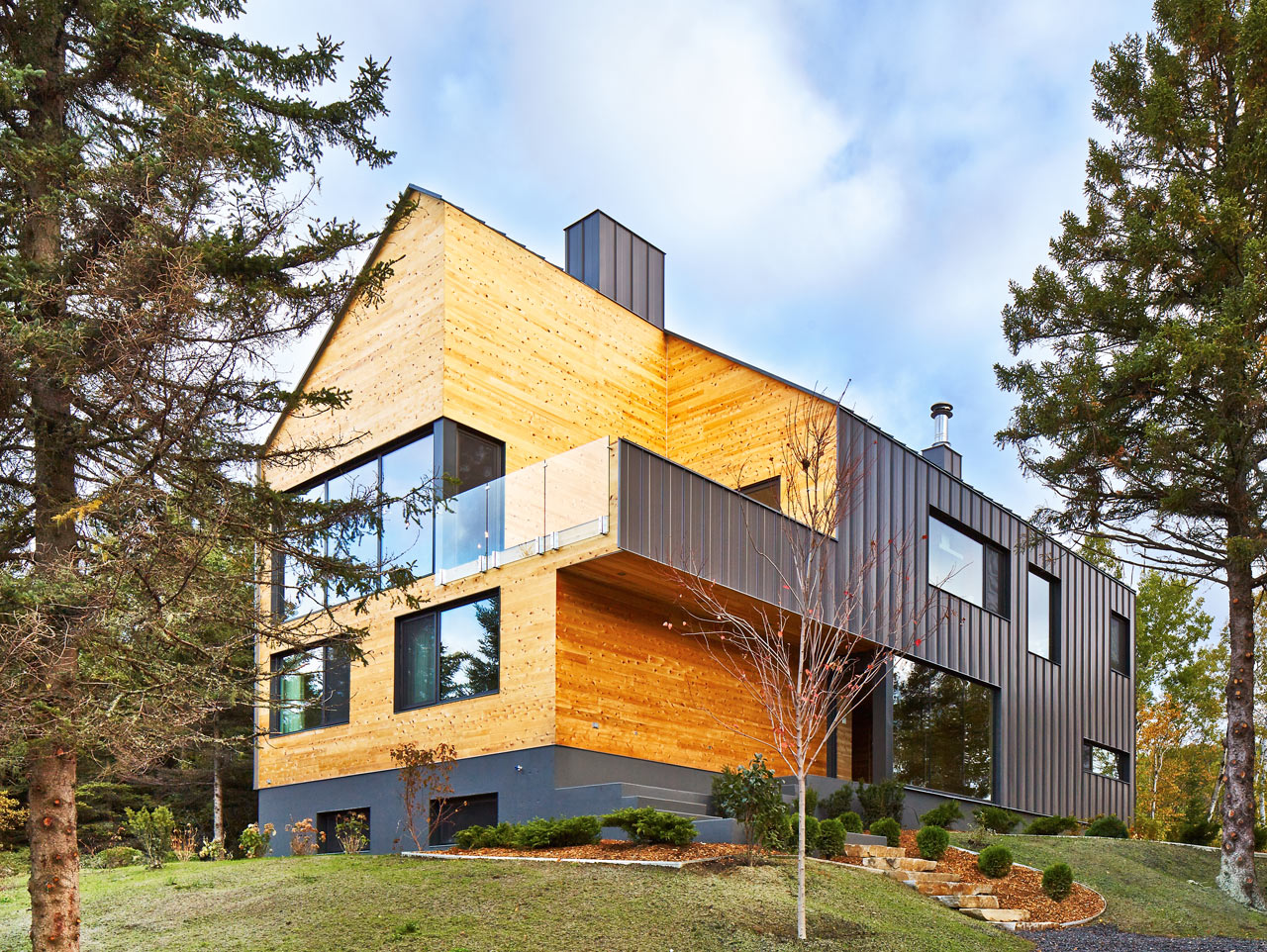 A Modern BarnLike House by MU Architecture Design Milk