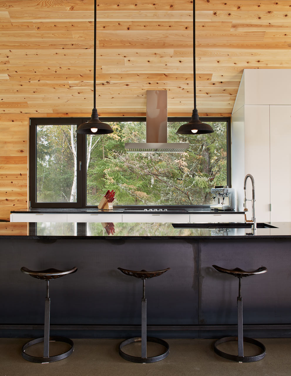 "backReturn to ""A Modern Barn-Like House by MU Architecture"""