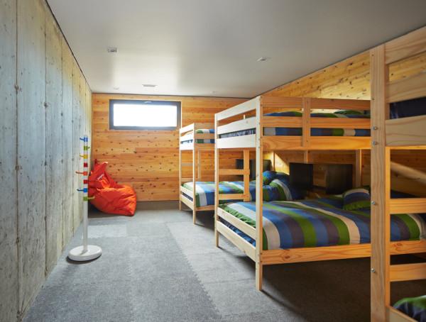 Malbaie-VIII-Residence-La-Grange-MU-Architecture-19-bunk