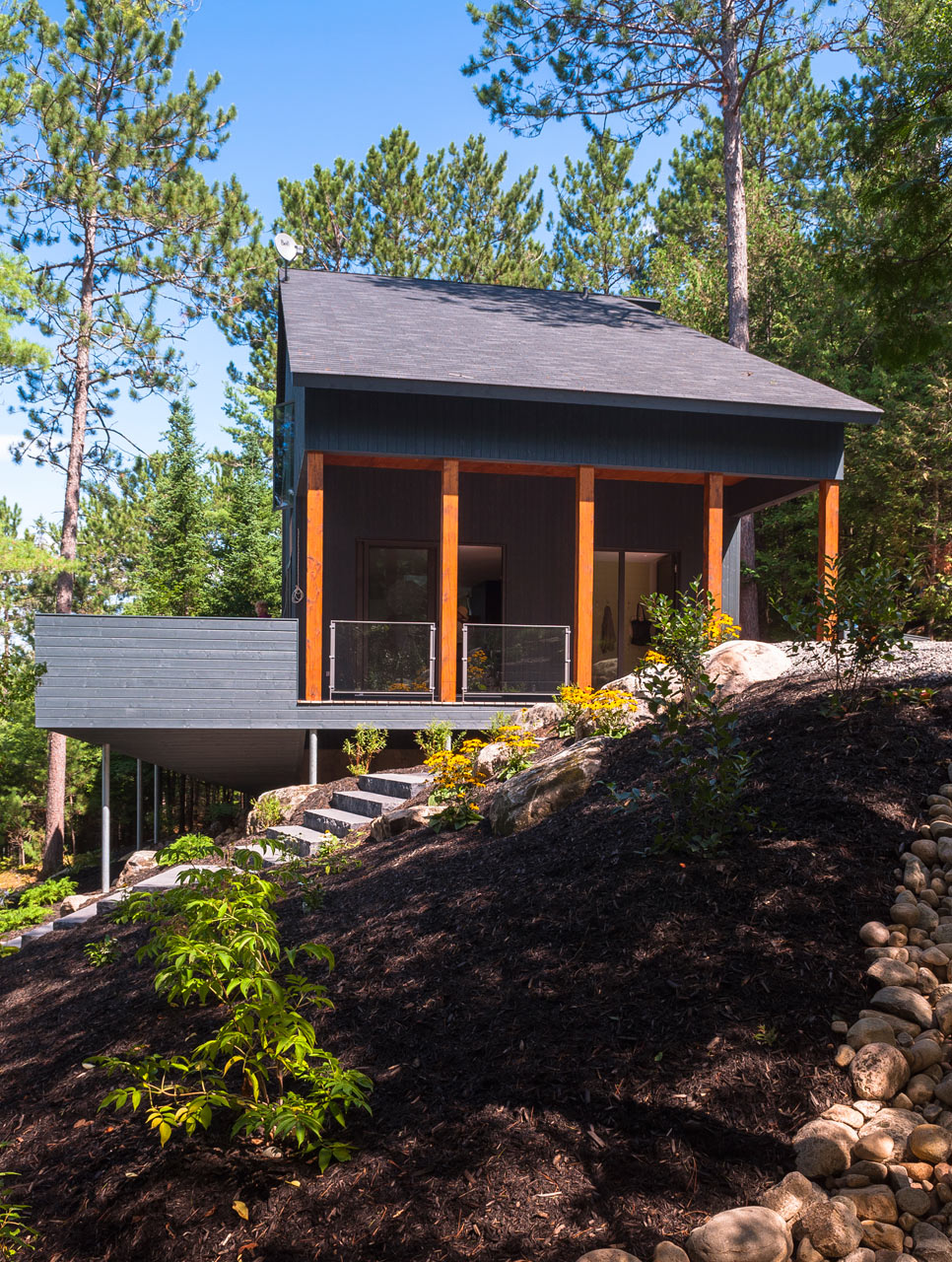 Vacation Home for Nature Lovers by Anik Péloquin Architecte