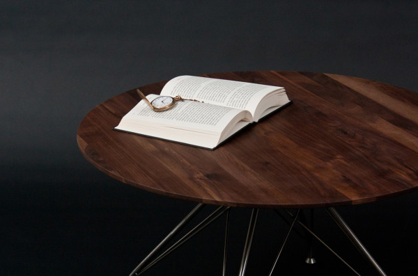 Overgaard-Dyrman_Wire_Collection-10-table