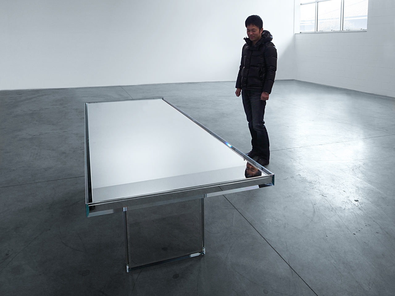PRISM-Mirror-Table-Tokujin-Yoshioka-4
