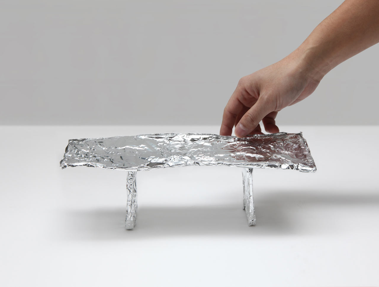 PRISM-Mirror-Table-Tokujin-Yoshioka-6