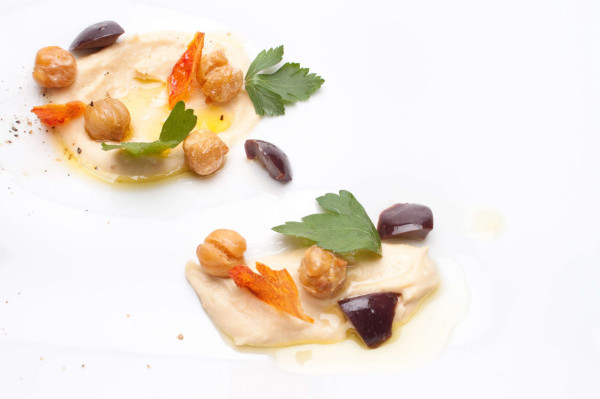 Taste-March-5-Sharing-Hummus