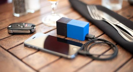 BOLT: A Small Wall Charger & Battery Backup in One