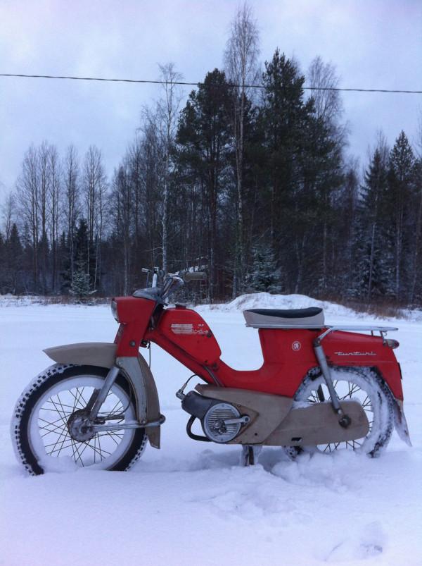 F5-Harri-Koskinen-2-moped