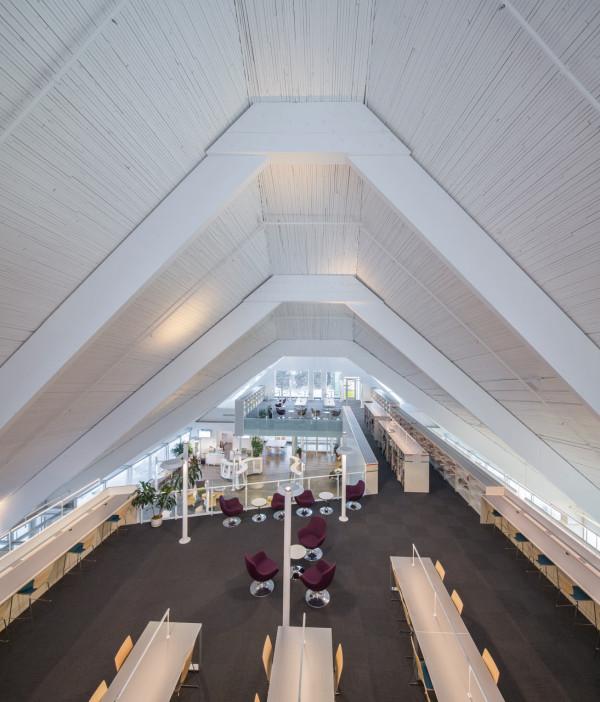 Monique-Corriveau-Library-Church-9