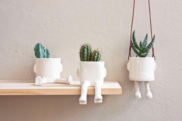 Pinch-11-Wacamole-sitting-plant-pot