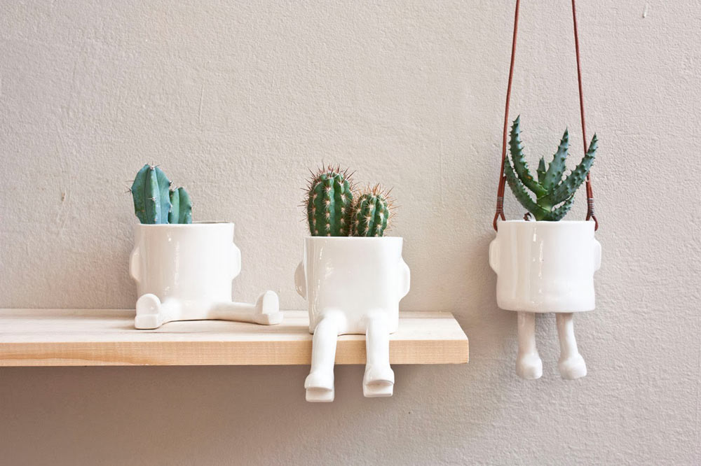 Pinch-11-Wacamole-sitting-plant-pot