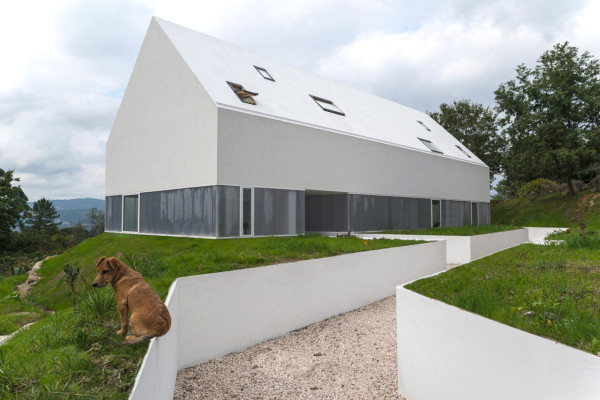 Cow Barn / F.A.B. + Forschungs + Architekturbüro AG