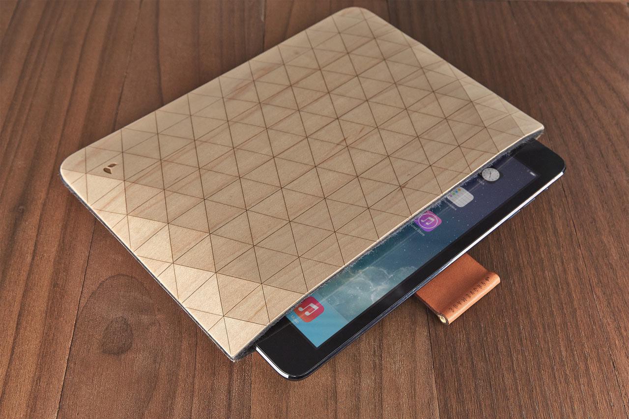 grovemade-wood-ipad-sleeve-A1