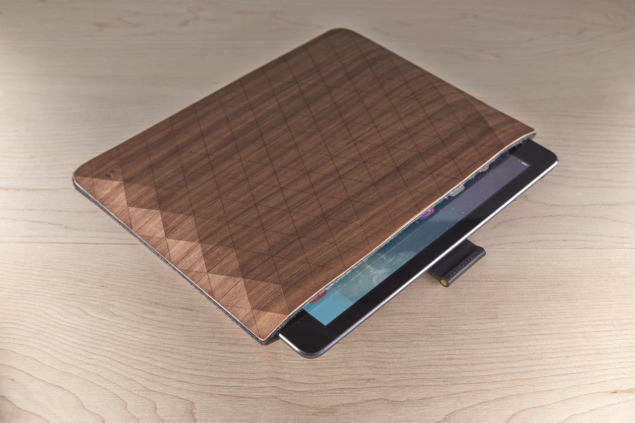 grovemade-wood-ipad-sleeve-B1