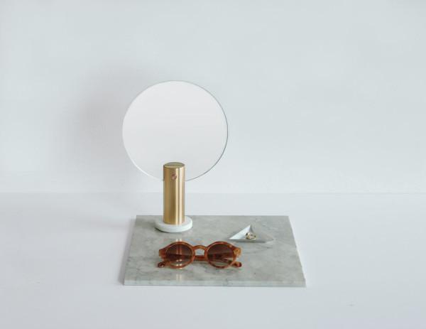 ladies-and-gentlemen-Maru-round-mirror2-brass
