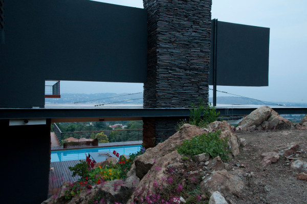 A House Renovated to Focus on the View in main architecture  Category