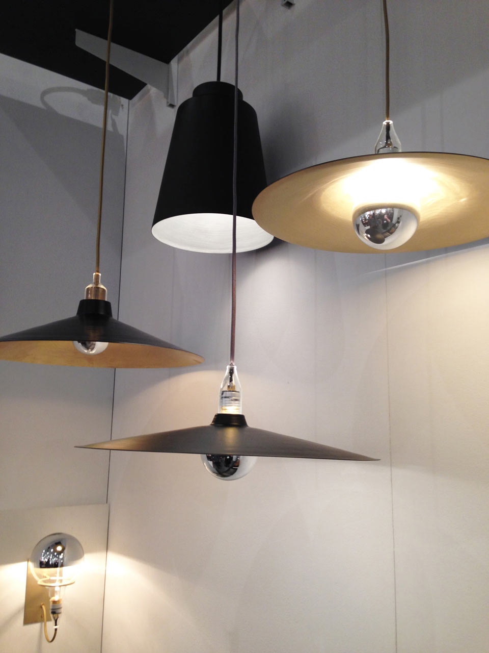 ICFF4-5-brendan-ravenhill-lighting-icff