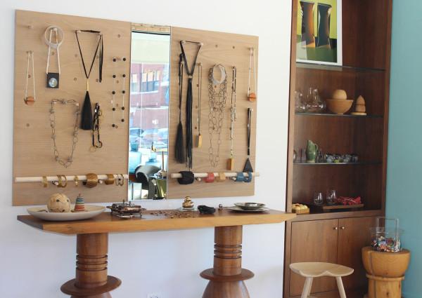 Morlen-Sinoway-Showroom-jewelry