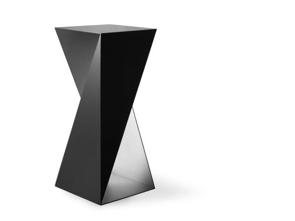 Nova-Objecta-Triangulation-13-T04_NO