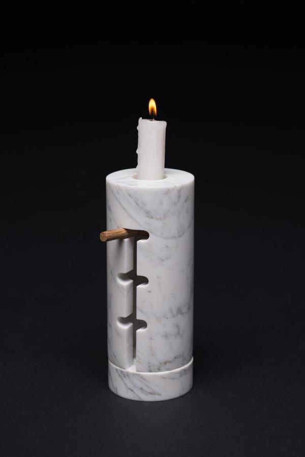 Odnosvechnik-Candle-Holder-Misonzhnikov-3