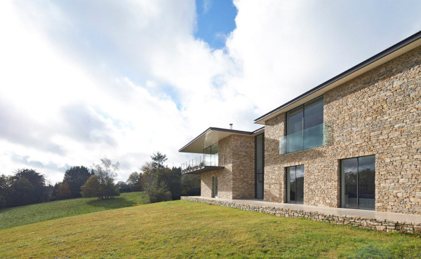Private-Residence-in-Henley-Manser-3