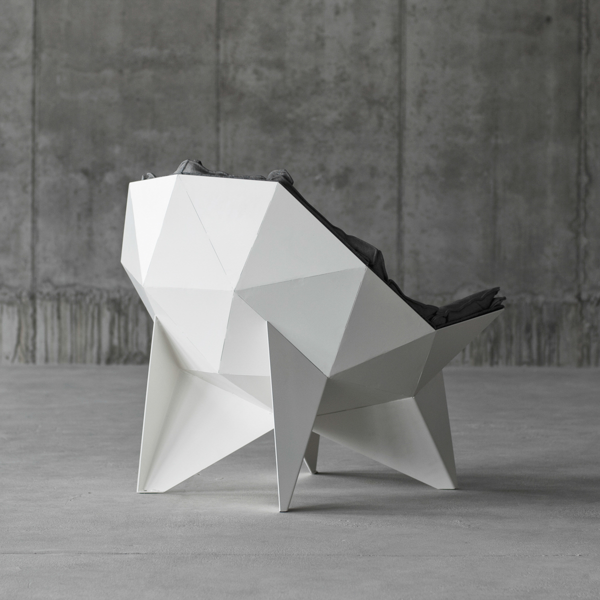 Q1 Lounge Chair by ODESD2-4