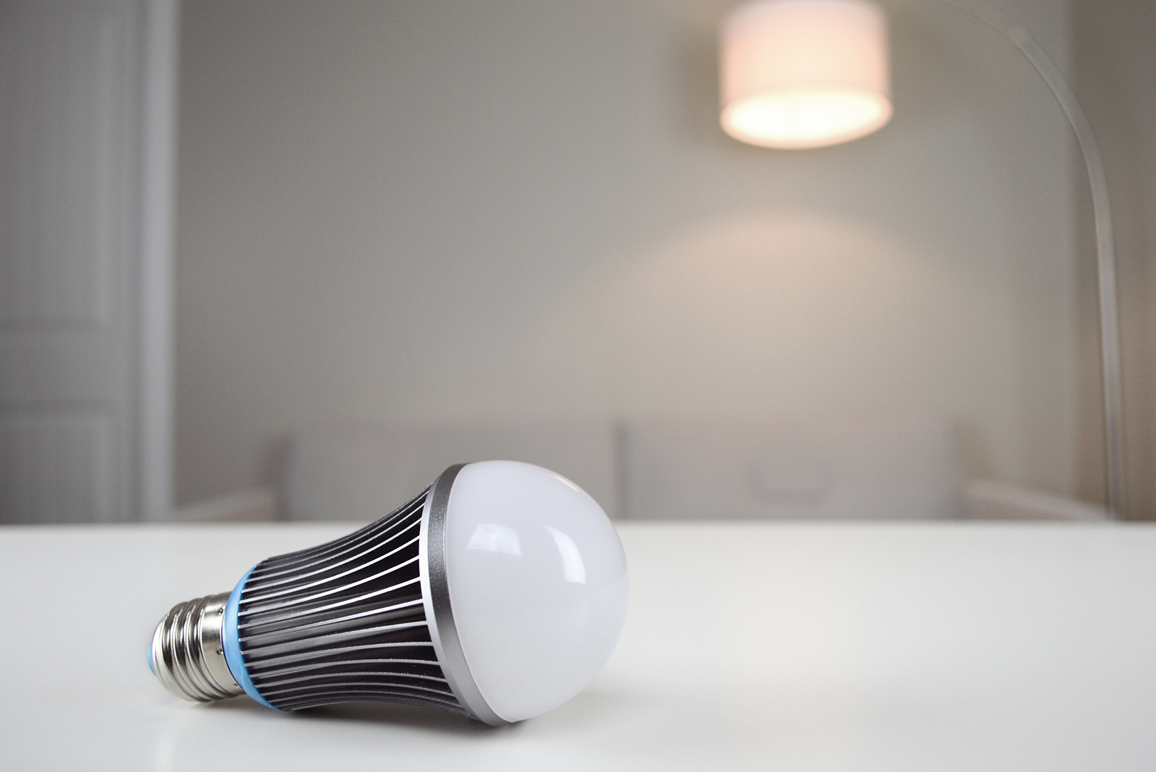 The Drift Light LED Recreates a Sunset For Better Sleep