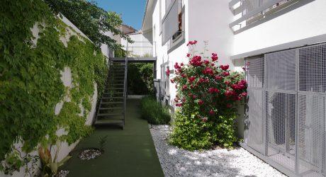 Six Patio Houses by Romero Vallejo