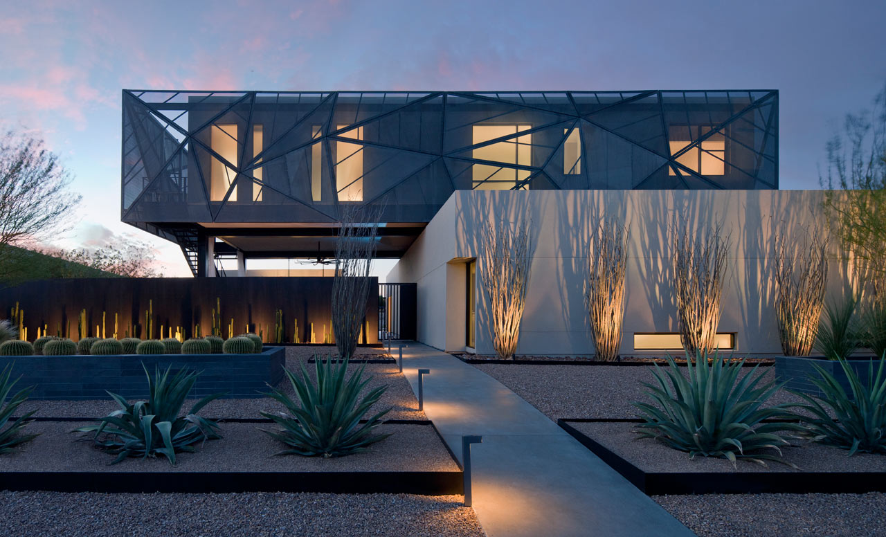 tresARCA: A Modern House in the Desert